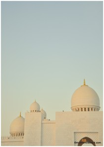 white mosque in uae