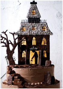 haunted chocolate house cake for halloween party