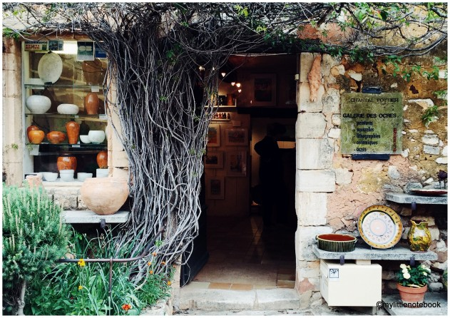 provencal style in roussillon
